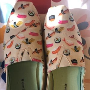 TOMS sushi NWT 7.5 woman
